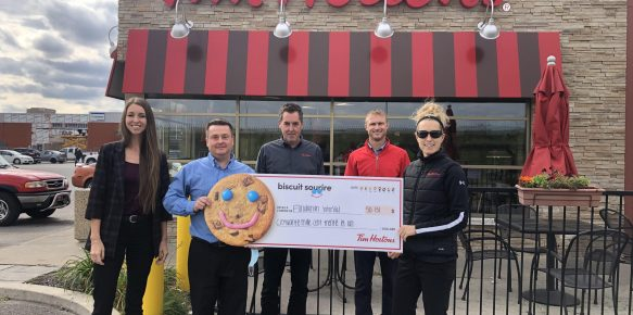 Photo Biscuits Sourire Tim Hortons 2020 - Franchisés et Fondation InterVal du CIUSSS MCQ